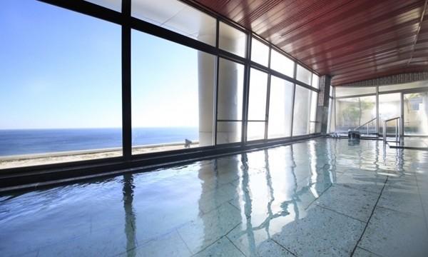 海が目の前に広がる、絶景の露天風呂。